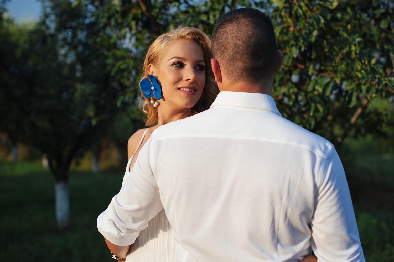 Fotograf profesionist de nunta, nunta in aer liber, cununie civila aer liber, petrecere aer liber, livada, livada pruni, cuplu, cununie civila nunta