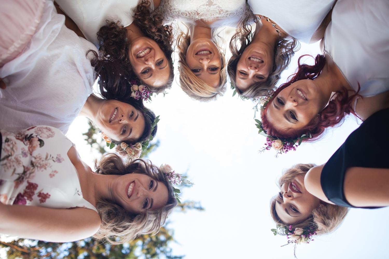 Poza de grup cu domnisoarele de onoare