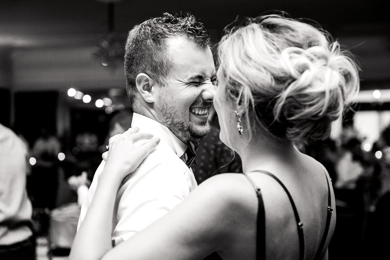 nunta perfecta in 10 pasi, nunta, fotograf de nunta, fotografie nunta, fotograf nunta, fotograf, fotograf profesionist de nunta, fotografie de nunta, ziua nuntii, nunta perfecta, organizare nunta, colonial club cernica, masina de epoca, inchiriere masina de epoca, sedinta foto, sesiune foto de nunta, sedinta foto de nunta