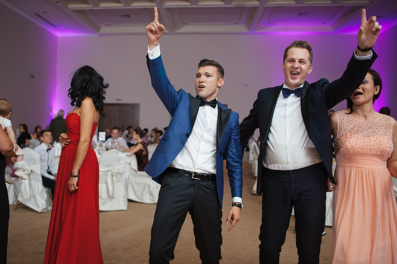 Mire si invitat pe ringul de dans