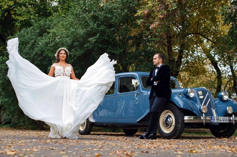 Fotograf profesionist de nunta, nunta, fotograf profesionist, fotograf Bucuresti, fotograf de nunta, rochoe de mireasa, mire si mireasa la sedinta foto, rochie de mireasa de matase, rochiede mireasa care flutura