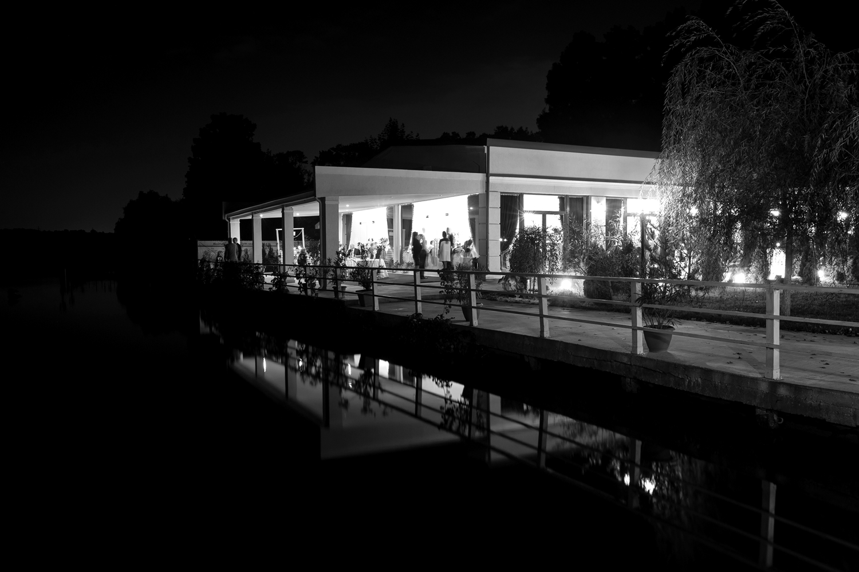 Fotograf profesionist de nunta, nunta, fotograf profesionist, fotograf Bucuresti, fotograf de nunta, fotografie alb-negru ponton, ponton Local Colonial, Local Colonial Cernica, Cernica, restaurant Cernica,