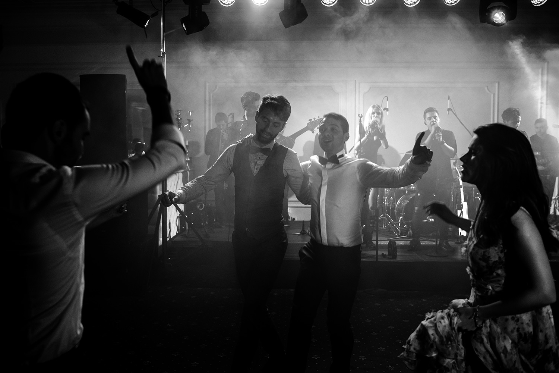 nunta, fotograf de nunta, fotografie nunta, fotograf nunta, fotograf, fotograf profesionist de nunta, fotografie de nunta, ziua nuntii, nunta perfecta, organizare nunta, colonial club cernica, masina de epoca, inchiriere masina de epoca, sedinta foto, sesiune foto de nunta, sedinta foto de nunta
